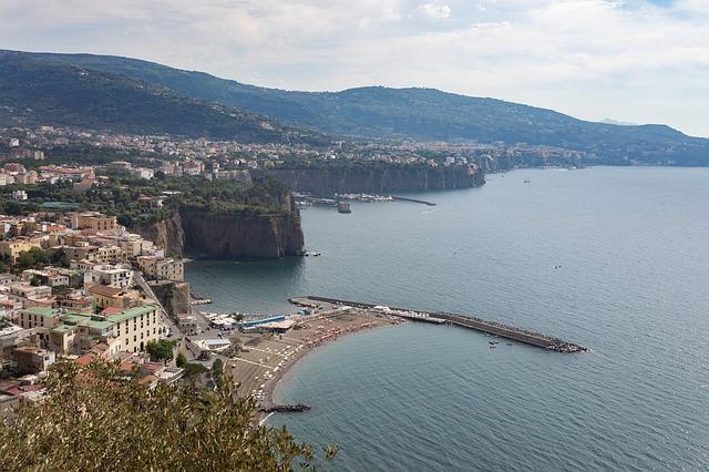 Sorrento: partenza/arrivo della Sorrento - Amalfi coast to coast