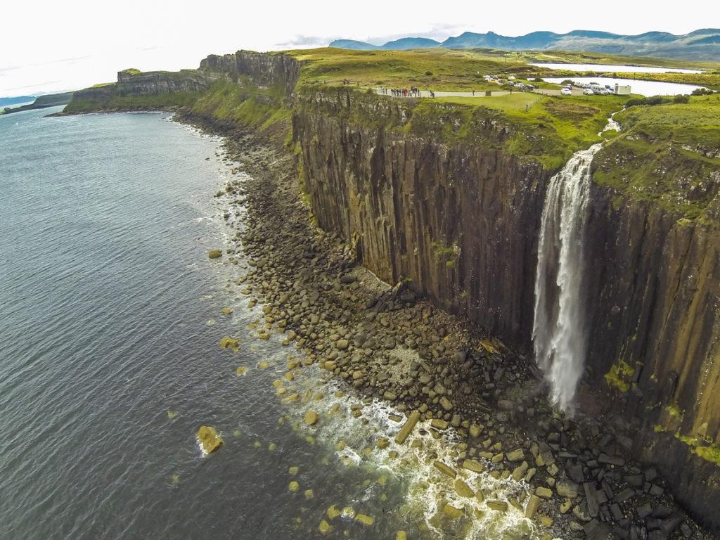 Cascate Mealt Falls nella scogliera Kilt Rock
