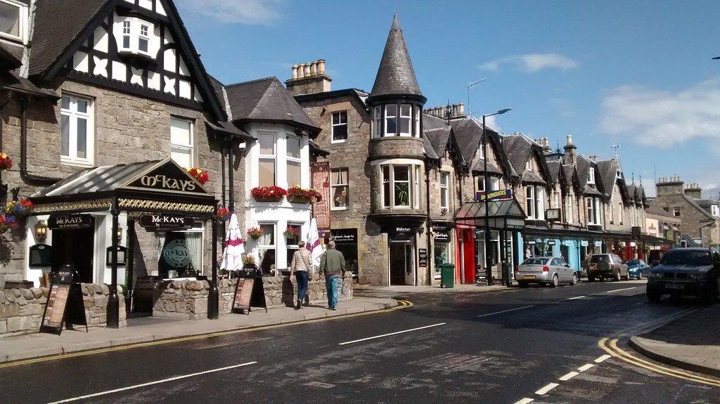 Via principale della cittadina di Pitlochry