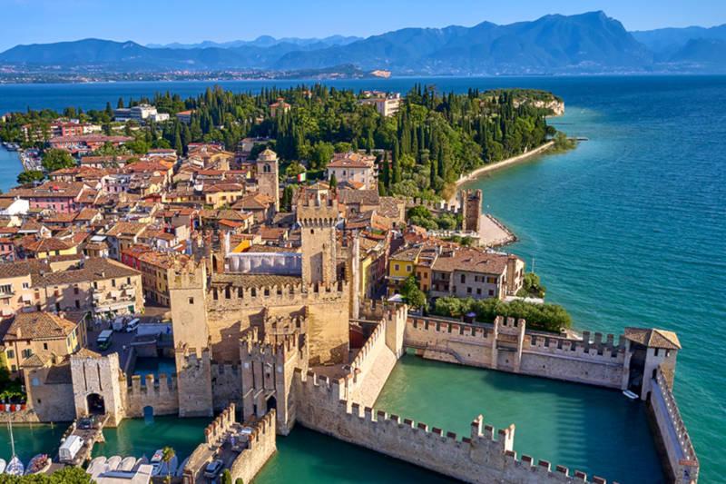 Castello Scaligero a Sirmione sul Lago di Garda