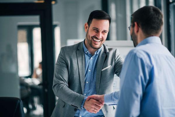 Importanza business English per stringere un accordo